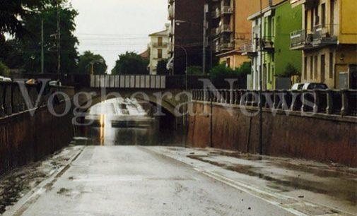 VOGHERA 28/05/2019: (AGGIORNAMENTO) Semaforo rosso al sottopasso. Code in Corso 27 marzo e in via Lomellina