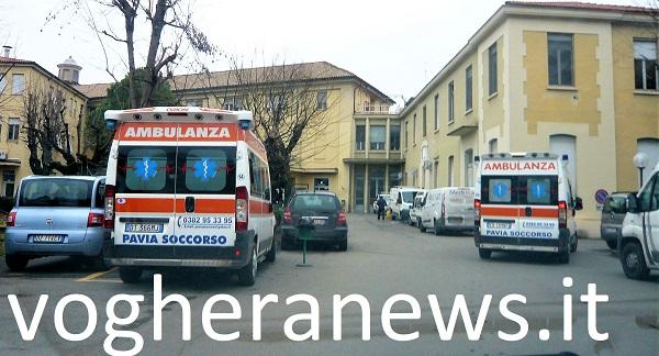 ospedale voghera ambulanze 600