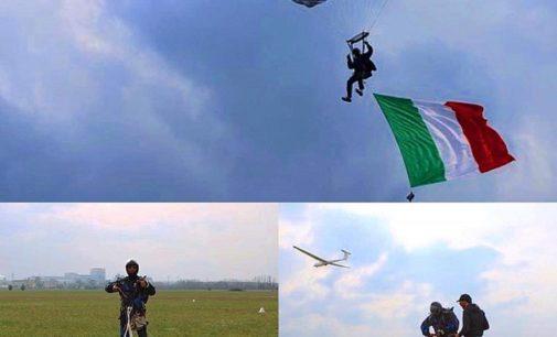 VOGHERA 21/06/2019: Domenica spettacolo all'Ex Caserma. I paracadutisti atterrano nel cortile per festeggiano i 40 anni della Sezione Oltrepò Pavese-Voghera