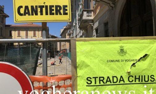 VOGHERA 08/07/2019: Un pezzo di Via Depretis è pronta. Domani riapre per i residenti e i fornitori