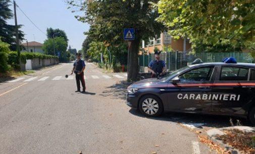 SANNAZZARO 03/08/2019: Ubriaco prende a pugni la porta della propria casa. Poi aggredisce i carabinieri. Arrestato
