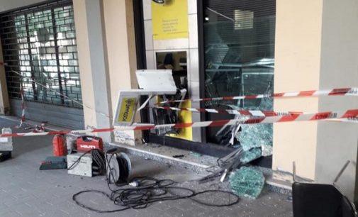 LUNGAVILLA 09/08/2019: Assaltato il (nuovo!) Postamat. In malviventi riescono a rubare 40.000 euro alle Poste