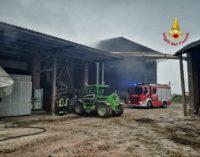 MEDE 31/10/2019: Incendio ad un macchinario. Vigili del fuoco di Voghera al lavoro in una azienda agricola