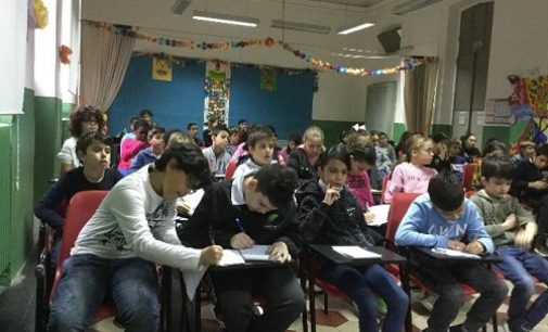 """VOGHERA 25/10/2019: Scuola. Alla Primaria De Amicis una lezione sulla """"macchina comunale"""""""