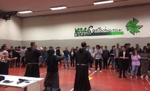 """VOGHERA 17/10/2019: 14/10/2019 All'Istituto Santachiara i Frati Francescani della missione """"Ascolta la tua sete!"""""""