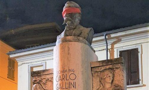 VOGHERA PAVIA 18/10/2019: No alla censura, CasaPound imbavaglia le statue di Voghera e Pavia