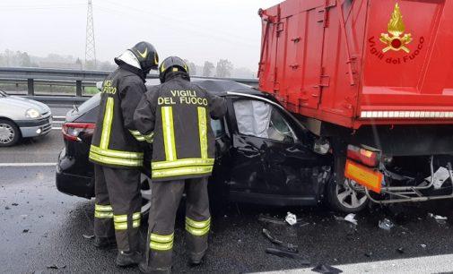 ARENA PO 20/11/2019: Auto si schianta contro un camion. Paura sull'autostrada A21