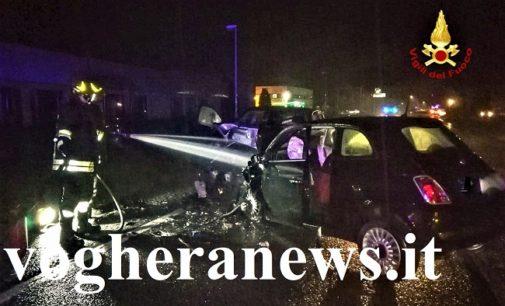 MEZZANINO 17/11/2019: Scontro fra due auto sulla 617. Portati al san Matteo tre feriti. Alcuni sono gravi