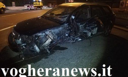 RIVANAZZANO 05/11/2019: Scontro fra auto. Due feriti in via verdi ieri sera