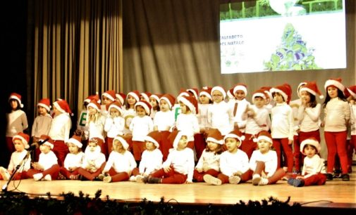 VOGHERA 24/12/2019: Al Teatro dei Barnabiti i canti natalizi dei bambini della Scuola d'Infanzia di Torremenapace