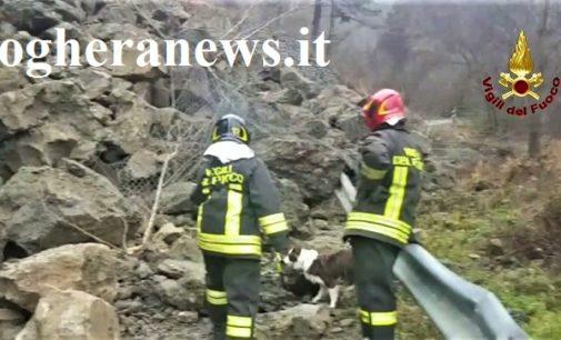 VARZI 19/12/2019: Frana sulla Sp 166. Giornata di lavoro e ricerche per i vigili del fuoco (IL VIDEO). Non ci sarebbero dispersi. Sul caso anche un Comunicato dell'on Romaniello