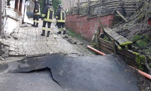 BORGO PRIOLO 27/01/2020: Cede la collina a Ghiaie. Quattro abitazioni dichiarate inagibili dai vigili del fuoco. Una famiglia resta senza casa (LE FOTO)