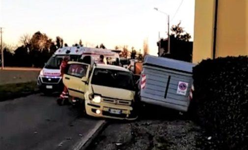 VOGHERA 06/02/2020: Scontro frontale in strada Torremenapace. Due donne ferite