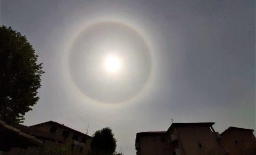 PAVIA VOGHERA 16/04/2020: All'improvviso attorno al Sole un alone. Spettacolo oggi anche nei cieli della provincia di Pavia