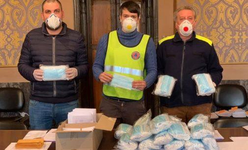 PAVESE OLTREPO 01/04/2020: Coronavirus. I Comuni si mobilitano per recapitare le mascherine a casa dei residenti