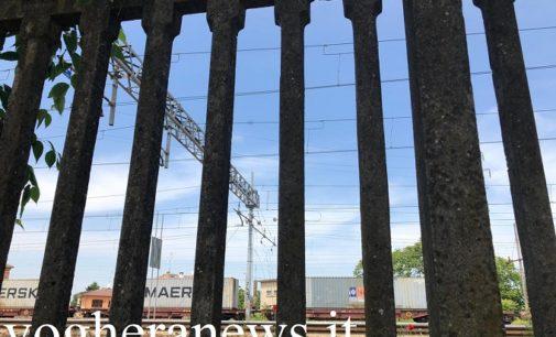 VOGHERA 18/05/2020: Sale per gioco sul tetto di un treno ma tocca i fili dell'alta tensione. Paura per un 16enne residente in città