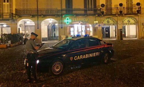 VOGHERA SALICE T. 05/10/2020: Coronavirus. Controlli anti assembramento dei carabinieri anche nel locali oltrepadani