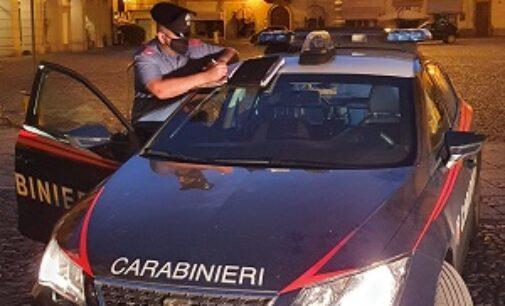 VOGHERA 13/10/2020: Prende a calci le auto e insulta i carabinieri. Denunciato un 31enne