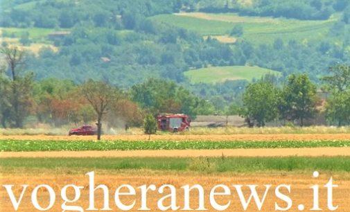 VOGHERA 28/06/2020: Incendio di campo lungo la sp461. E' il secondo in pochi giorni