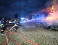TORRICELLA 04/06/2020: Fiamme distruggono tonnellate di fieno. Pompieri al lavoro da stanotte