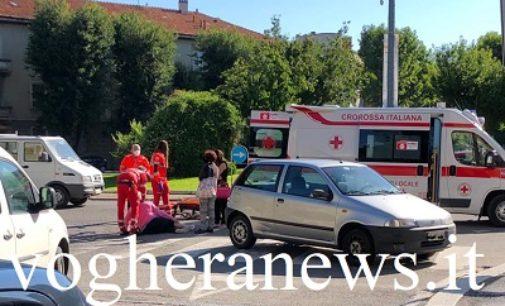 VOGHERA 19/06/2020: Auto sperona bici. Donna finisce all'ospedale