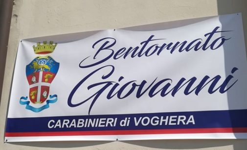 """VOGHERA 16/07/2020: """"Bentornato Giovanni"""". Così oggi la Caserma dei carabinieri ha salutato il ritorno del luogotenente Galletta dopo il Covid"""