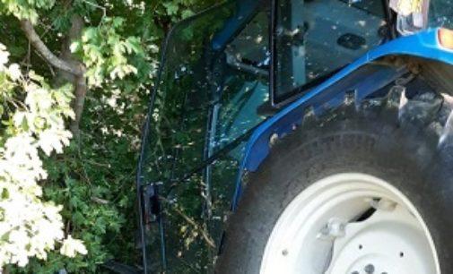 VAL DI NIZZA 06/07/2020: 80enne ferito mentre lavora col trattore. Portato in elicottero a Pavia
