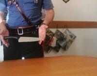 PAVIA 07/09/2020: Con il coltello in piazza Vittoria. Denunciato 58enne