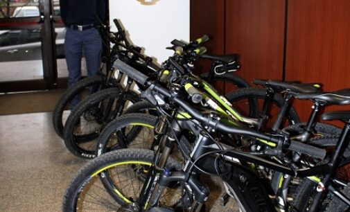 PAVIA 06/10/2020: Truffe in serie nel nord Italia. Sgominata la banda della bici elettriche. La base era a Pavia