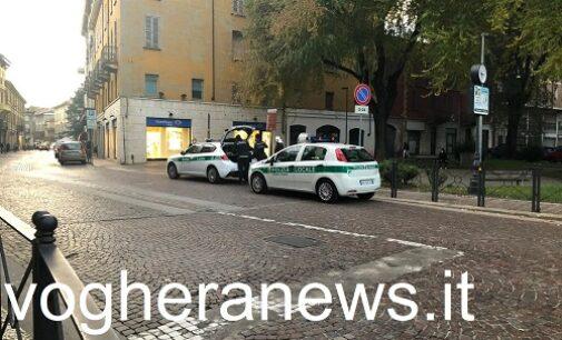 VOGHERA 28/11/2020: Sicurezza. Nuovi controlli della polizia locale nelle piazze e nei giardini