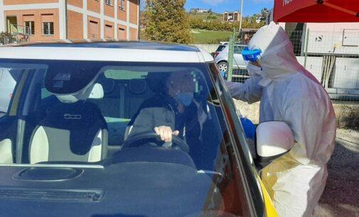 VOGHERA 25/11/2020: Coronavirus. Pronta in Piazzale Fermi la postazione Drive In per i tamponi