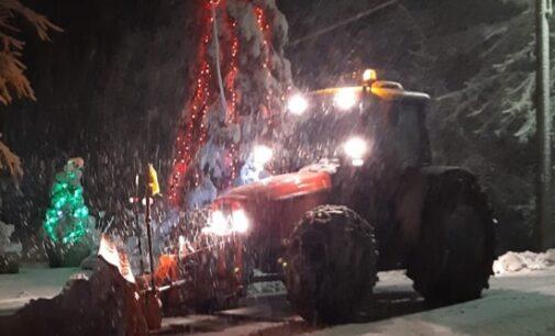 VARZI 25/12/2020: Nevica in Valle Staffora. Mezzi al lavoro sulla Sp461