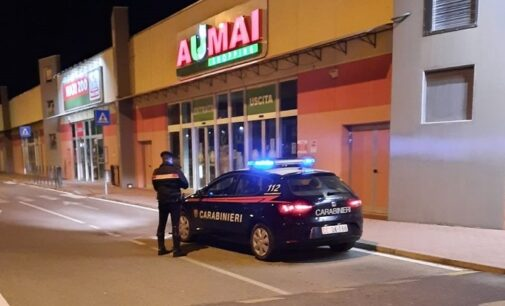 VOGHERA 18/03/2021: Ruba all'Umai e per fuggire travolge con l'auto il commesso che lo inseguiva. Arrestato 35enne