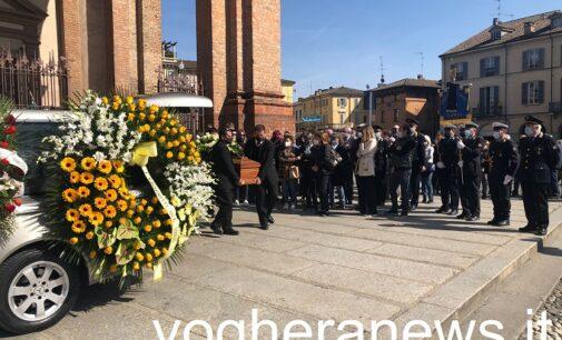VOGHERA 29/03/2021: Scomparsa di Gian Luca Bozzola. In tantissimi all'ultimo saluto. Hai saputo donarci il tuo sorriso e la tua voglia di vivere