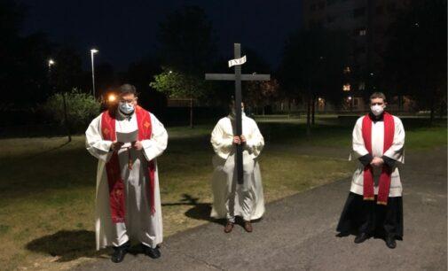 VOGHERA 02/04/2021: Venerdì Santo. Alle 20.30 diretta streaming della Via Crucis dai giardini di via Furini. Sul canale YouTube di VogheraNews.it