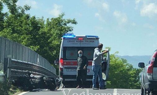 """LUNGAVILLA S.MARTINO 25/05/2021: Strade. Cade in scooter sulla Bressana-Salice. Ciclisti investiti ieri sera da un'auto """"pirata"""" a San Martino. Uno è gravissimo"""