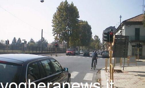 """VOGHERA 06/05/2021: Le telecamere """"rosso stop"""" passano da via Lomellina a Corso Rosselli. Il Comune: Così preveniamo gli incidenti in altri incroci dove si passa col rosso"""