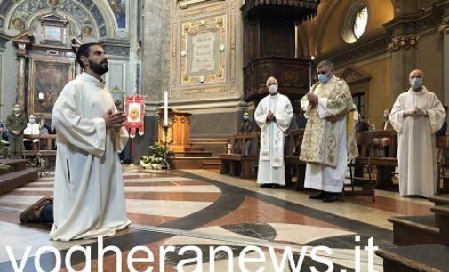 VOGHERA 13/06/2021: Oggi in Duomo la Messa del nuovo sacerdote vogherese Daniele Lottari. Diretta streaming su vogheranews.it e maxi schermo sul sagrato