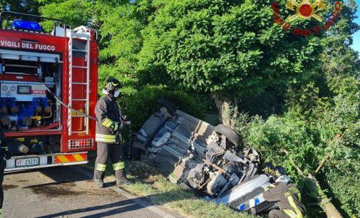 COLLI VERDI 25/06/2021: Auto esce di strada e si ribalta. Ferito un 90enne