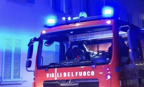 VOGHERA 01/07/2021: Incendio stanotte in una palazzina. Evacuate 8 famiglie. Due persone al pronto soccorso