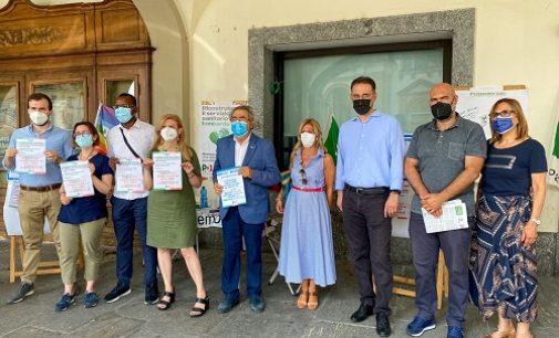 """VOGHERA 24/07/2021: Pd in piazza Duomo: """"Contro la sindaca che non condanna l'uso delle armi da parte degli assessori"""""""