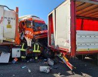 BRONI CASTEGGIO 06/07/2021: Strade. A21 bloccata per incidente. Chilometri di code in direzione di Torino
