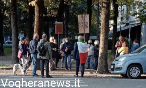 VOGHERA 18/10/2021: No Green Pass. Presidio di protesta anche in città