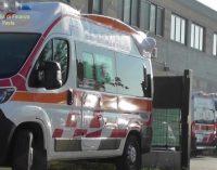PAVIA 18/10/2021: Cooperativa Ambulanze sequestrata. Gruppo di dipendenti protesta fuori dal Tribunale. Nessuno sfruttamento