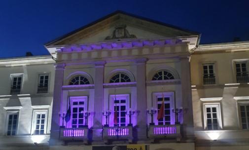 VOGHERA 22/10/2021: Prevenzione del tumore al seno. Il palazzo comunale si illumina di rosa a sostegno della ricerca